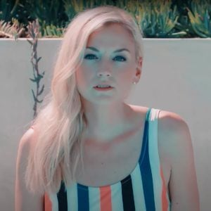 Emily Kinney, Artist on Virtual Piano, Play Piano Online
